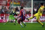 Pemain Bayern Munich Mario Goetze (Tengah) membuat gol ke gawang Hoffenheim. JIBI/Rtr/Michael Dalder