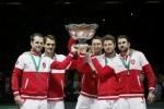 Tim tenis Swiss mengangkat trofi Davis Cup seusai kalahkan tim Prancis. JIBI/Rtr/Gonzalo Fuentes