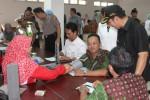 Bupati Kulonprogo Hasto Wardoyo meninjau layanan di RSUD Nyi Ageng Serang seusai peresmian, Rabu (12/11/2014). (JIBI/Harian Jogja/Switzy Sabandar)