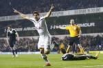 Pemain Tottenham Hotspur Stambouli merayakan golnya ke gawang Partizan. JIBI/Rtr/Eddie Keogh