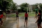 Atlet bola voli klub Vita Solo sedang berlatih di kompleks GOR Manahan. JIBI/Solopos/Sunaryo HB