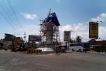 Replika patung Monumen Nyi Ageng Serang telah terpasang di atas menara monumen dan mulai menjadi daya tarik bagi para pengguna jalan yang melintasi kawasan Simpang Lima Karangnongko, Selasa (16/12/2014). (JIBI/Harian Jogja/Holy Kartika N.S.)