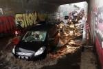 BERITA TERPOPULER : Rumah di Jatinom Digerebek, Kecelakaan Sragen, hingga Mobil Polisi Jadi Tertawaan