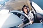 Loujain al-Hathloul saat mengemudikan mobilnya di Riyadh, Arab Saudi (arabtimesonline.com)