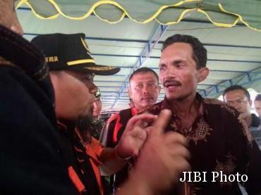 Rahmat, nelayan penemu Air Asia di laut yg gak dipeduliin !