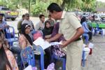 Warga mengikuti konsultasi publik di Balai Desa Kebonrejo Temon Kulonprogo, Senin (1/12/2014). (Switzy Sabandar/JIBI/Harian Jogja)