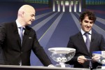 Sekjen UEFA Gianni Infantino melakukan drawing 16 Besar Liga Champions. JIBI/Rtr/Pierre Albouy