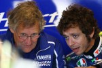 Mantan mekanik Valentino Rossi, Jeremy Burgess (Ki) saat masihmenangani The Doctor. Ist/autoevolutio