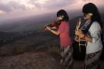 WISATA KULONPROGO : Meneropong Puncak Gunung dari Moyeng