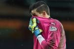 Arvid Schenk dipecat setelah kebobolan enam gol (BBC)