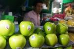 Masih ada apel Granny Smith di Pasar Gede, Selasa (27/1/2015). (Sunaryo Haryo Bayu/JIBI/Solopos)