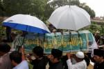 Pemakaman Bob Sadino di TPU Jeruk Purut, Selasa (20/1/2015). (Nurul Hidayat/JIBI/Bisnis)