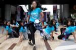 Onerous Dance Club SMA Negeri 1 Solo menampilkan Girls Hip Hop Dance pada acara Community Battle di The Park, Solo Baru, Sukoharjo, Jawa Tengah, Minggu (11/1/2015). Acara tersebut digelar dalam rangka menyemarakkan HUT ke-1 Solopos TV. (Ivanovich Aldino/JIBI/Solopos)