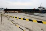 FOTO KAPAL TERDAMPAR : Kapal Batu Bara Dibiarkan Terdampar