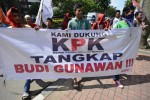 Pergerakan Mahasiswa Merah Putih demo di KPK, Jumat (16/1/2015). (JIBI/Solopos/Antara/Fanny Octavianus)