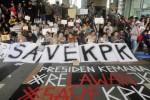 "KPK VS POLRI : ""Kami Rakyat Enggak Jelas, Tapi Anti Koruptor"""