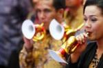 TAHUN BARU 2015 : Komunitas Sweet Memories Bernyanyi Bersama Sambut Tahun Baru
