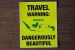Ilustrasi travel warning (Core77.com)