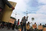 Aliansi Masyarakat Anti-Pembodohan beraksi, Senin (26/1/2015). (Desi Suryanto/JIBI/Harian Jogja)