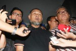Wakil Ketua KPK Bambang Widjojanto saat dibebaskan Bareskrim dari penahanan setelah permohonan penangguhan penahannya dikabulkan Mabes Polri. (Rahmatullah/JIBI/Bisnis)