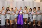 Yasmin Eleby bersama keluarga dan teman-teman di acara pernikahannya (Mirror.co.uk)