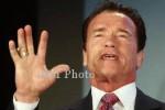 Arnold Schwarzenegger Pamer Mobil Terbarunya (Reuters)