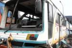 Kondisi bus PO Budhi Rahayu AD 1468 BD jurusan Solo-Boyolali yang rusak akibat dihantam truk kontainer dari belakang. Kecelakaan terjadi di Jalan Solo-Semarang tepatnya di Desa Teras, Kecamatan Teras, Boyolali, Jumat (23/1/2015). (Muhammad Irsyam Faiz/JIBI/Solopos)