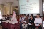 Rektor Universitas Gadjah Mada (UGM) Dwikorita Karnawati beserta jajaran pimpinan universitas, guru besar, dekan dan dosen mendesak Presiden Joko Widodo (Jokowi) segera menyelesaikan konflik antara KPK dan Polri. (JIBI/Harian Jogja/dok.Humas UGM)