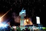 Monumen Nyi Ageng Serang di simpang lima Karangnongko, diresmikan Bupati Kulonprogo dengan kemerian kembang api, Rabu (31/12/2014). (JIBI/Holy Kartika N.S)