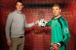 Manuel Neuer diabadikan menjadi patung lilin (Dailymail)