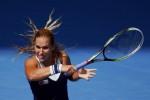 Dominika Cibulkova lolos ke babak keempat (Reuters/David Gray)
