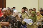 JIBI/Harian Jogja/Desi Suryanto Sebanyak 426 kepala sekolah atau perwakilan sekolah dari berbagai sekolah tingkat SMA/MA/SMK/MAK di DI. Yogyakarta mengikuti sosialisasi Proses Pendaftaran Seleksi Nasional Mahasiswa Perguruana Tinggi Negeri (SNMPTN) 2015 di gedung Grha Sabha Pramana, UGM Yogyakarta, Selasa (27/01/2015). Kebijakan SNMPTN 2015 tidak berbeda dengan tahun sebelumnya. Jadual SNMPTN dimuali dengan pengisian Pangkalan Data Sekolah dan Siswa (PDSS) pda 22 Januari-8 Maret 2015, sementara pendaftaran SNMPTN baru akan dimulai pada 13 Februari - 15 Maret 2015.