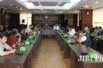 Perwakilan klub-klub ISL 2015 gelar pertemuan di Kemenpora (Ligaindonesia.co.id)