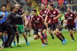 Para pemain dan pelatih AC Milan Inzaghi merayakan gol dalam sebuah pertandingan. Ist/dailymail.co.u