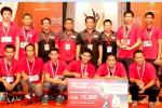 Pemain dan ofisial Klub Jaya Raya berpose bersama seusai menjadi juara ketiga Djarum Superliga 2015 di Denpasar Bali. Ist/badmintonindonesia.org