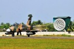 Pesawat Hawk seusai patroli pengamanan udara di Aceh, Kamis (26/2/2015). (JIBI/Solopos/Antara/Ampelsa)