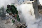 Fogging putus siklus Aedes aegypti di Kediri, Rabu (4/2/2015). (JIBI/Solopos/Antara/Rudi Mulya)