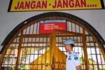 Penjagaan ketat LP Madiun menjelang eksekusi mati penghuni, Jumat (27/2/2015). (JIBI/Solopos/Antara/Siswowidodo)