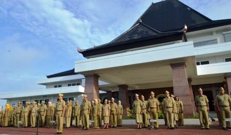 PNS MADIUN   17 PNS Dishutbun Kabupaten Madiun Ditarik Jadi Pegawai Pemprov  Jatim b4457423cb