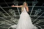Lady Gaga saat menyanyikan Sound Of Music pada Penghargaan Piala Oscar 2015 (abcnews.go.com)