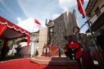 Ketua Umum PDI-P, Megawati Soekarnoputri memberikan sambutgan pada peresmian patung Presiden Pertama Republik Indonesia, Ir. Soekarno di Kantor Dewan Pimpinan Cabang (DPC) PDI-P, Brengosan, Solo, Jumat (13/2/2015). Patung proklamator RI setinggi 3meter tersebut dibuat sebagai simbol penghormatan penghormatan atas jasa mendiang Ir. Soekarno. (Reza Fitrianto/JIBI/Solopos)