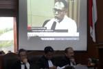 KPK VS POLRI : Kuasa Hukum BG Sanggah Keterangan Saksi Ahli KPK