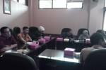 Suasana rapat koordinasi Komisi III DPRD Solo  koordinasi dengan Disperindag, DPU, DPPKA, dan DPP, di Gedung DPRD Solo, Senin (16/2/2015). Rapat membahas revitalisasi Pasar Klewer. (Tri Rahayu/JIBI/Solopos)