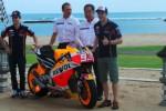 Marc Marquez dan Dani Pedrosa saat peluncuran tim balap Repsol Honda di Nusa Dua, Bali. Ist/detiksport