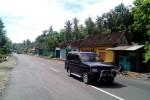 Jalan Dudukan yang berada di Dusun Giyoso, Desa Salamrejo semakin baik usai diperlebar guna mengoptimalkan jalan masuk utama menuju Kawasan Industri Sentolo, Jumat (6/2/2015). (JIBI/Harian Jogja/Holy Kartika N.S)