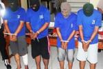 Empat pelaku pencurian di BMT Karangmojo saat berada di Mapolres Gunungkidul. Diduga komplotan ini melancarkan aksinya di wilayah Jateng-DIY. Kamis (26/2/2015) (JIBI/Harian Jogja/David Kurniawan)