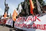 Demo Mahasiswa Pembebasan Soloraya, Senin (30/3/2015). (Ivanovich Aldino/JIBI/Solopos)