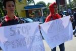 Demo mahasiswa menolak kenaikan harga BBM di Mataram, Senin (30/3/2015). (JIBI/Solopos/Antara/Ahmad Subaidi)