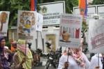 FOTO DEMO PRT : PRT Gresik Desak DPR Wujudkan UU PRT