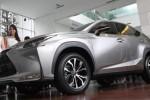 Peluncur mobil terbaru Lexus di Jakarta, Senin (2/3/2015). (Rahmatullah/JIBI/Bisnis)